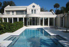 Vero Beach has a wide selection of single family homes available on the barrier island